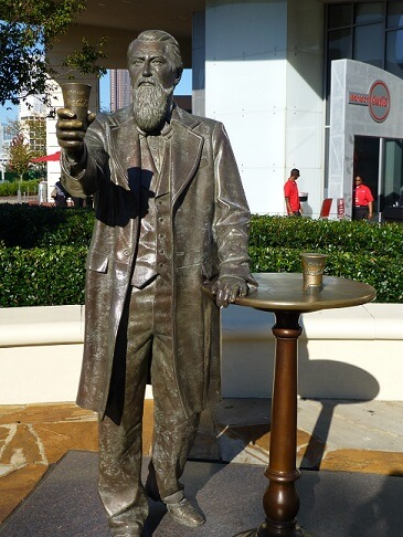 Statue de Pemberton