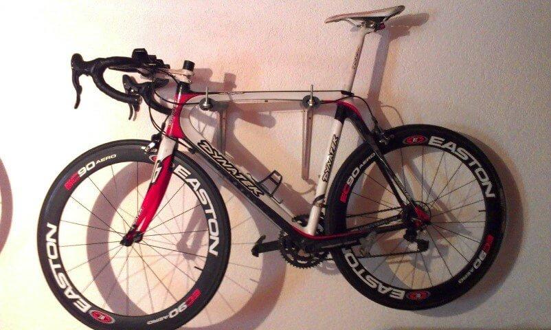 Vélo Dynatek avec roues Easton prêt pour la saison.