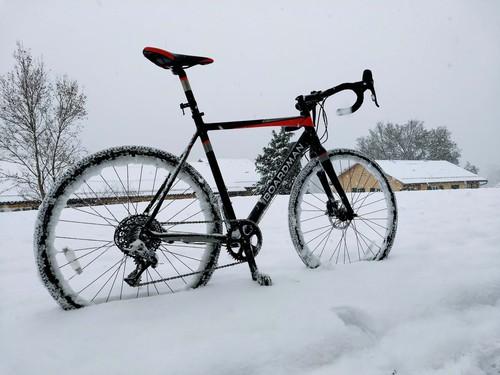 Snow CX