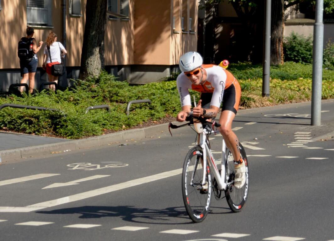 Daniel relax à vélo